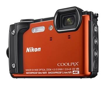 Nikon Coolpix AW130 Front